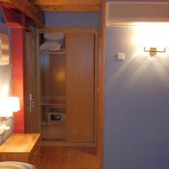 Отель Posada Término сейф в номере