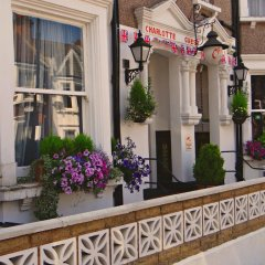 Отель Charlotte Guest House Лондон балкон