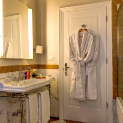 Villa Tolomei Hotel & Resort 5* Стандартный номер с различными типами кроватей фото 9