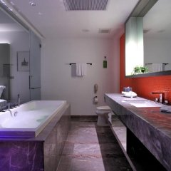 LIT Bangkok Hotel Бангкок ванная