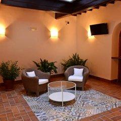 Отель Hostal La Fonda Испания, Кониль-де-ла-Фронтера - отзывы, цены и фото номеров - забронировать отель Hostal La Fonda онлайн интерьер отеля