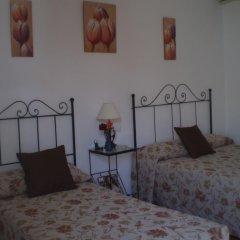 Отель Hostal El Canario Испания, Кониль-де-ла-Фронтера - отзывы, цены и фото номеров - забронировать отель Hostal El Canario онлайн комната для гостей