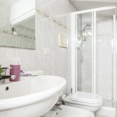 Отель Il Ricamo Di Roma Италия, Рим - отзывы, цены и фото номеров - забронировать отель Il Ricamo Di Roma онлайн ванная