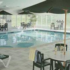 Отель Country Inn & Suites by Radisson, Lancaster (Amish Country), PA бассейн