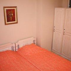 Отель Ulpia House Стандартный номер с двуспальной кроватью (общая ванная комната) фото 4