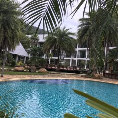 Отель Royal Lanta Resort & Spa бассейн фото 3