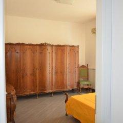Отель Residenza Bagnato Пиццо сейф в номере