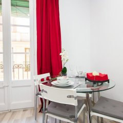 Отель Apartamentos Alejandro Барселона в номере фото 2