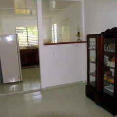 Отель Ginger Lily Ямайка, Порт Антонио - отзывы, цены и фото номеров - забронировать отель Ginger Lily онлайн интерьер отеля