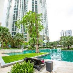 Отель Belle Grand Rama9 By Panu Таиланд, Бангкок - отзывы, цены и фото номеров - забронировать отель Belle Grand Rama9 By Panu онлайн бассейн фото 2