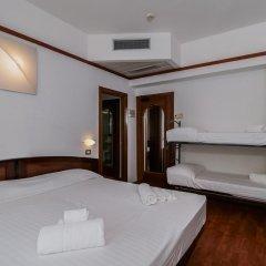Hotel Continental Rimini Римини сейф в номере