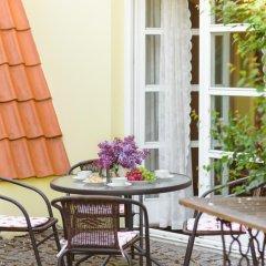 Отель The Secret Garden Boutique B&B Литва, Вильнюс - отзывы, цены и фото номеров - забронировать отель The Secret Garden Boutique B&B онлайн балкон