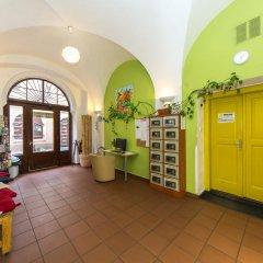 Отель Hostel Mango Чехия, Прага - 7 отзывов об отеле, цены и фото номеров - забронировать отель Hostel Mango онлайн интерьер отеля фото 2