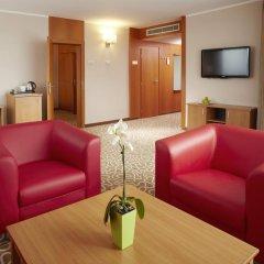 Orea Hotel Pyramida 4* Люкс повышенной комфортности с различными типами кроватей фото 2