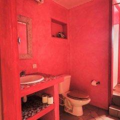 Отель Sunset Hill Lodge Французская Полинезия, Бора-Бора - отзывы, цены и фото номеров - забронировать отель Sunset Hill Lodge онлайн ванная