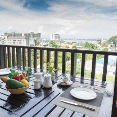 Отель Golden Tulip Essential Pattaya 4* Улучшенный номер с различными типами кроватей фото 40