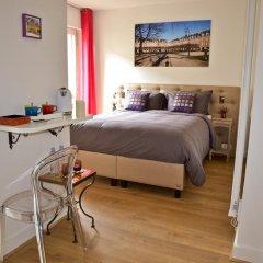 Отель Assia & Nathalie Luxury B&B Marais Париж комната для гостей фото 5