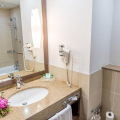 Гостиница Holiday Inn Almaty ванная фото 2