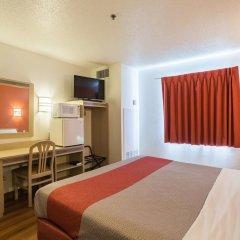 Отель Motel 6 Dale 2* Стандартный номер с различными типами кроватей фото 3