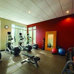 Отель Hilton Suites Chicago/Magnificent Mile фитнесс-зал