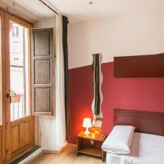Отель Hostal Abaaly Стандартный номер с различными типами кроватей фото 3