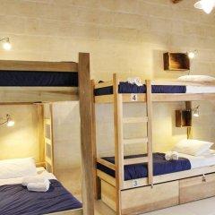 Two Pillows Boutique Hostel Кровать в общем номере с двухъярусной кроватью фото 7