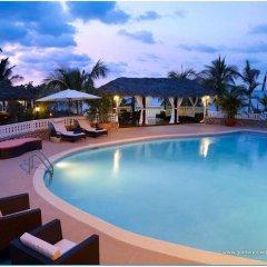 Отель Golden Cove Resort бассейн фото 3