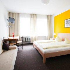 Отель Pension/Guesthouse am Hauptbahnhof Стандартный номер с двуспальной кроватью (общая ванная комната) фото 17