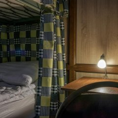 DimAL Hostel Almaty Кровать в мужском общем номере двухъярусные кровати