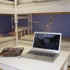 Гостевой Дом Полянка Кровать в общем номере с двухъярусными кроватями фото 25