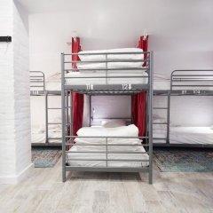 HighRoad Hostel DC Кровать в общем номере с двухъярусной кроватью фото 14