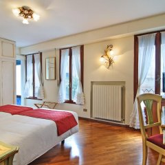 Hotel La Fenice Et Des Artistes 3* Стандартный номер с двуспальной кроватью фото 10