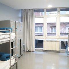 Отель Alberguinn Кровать в общем номере