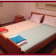 Отель East Gate Guest Rooms Стандартный номер с двуспальной кроватью (общая ванная комната) фото 5