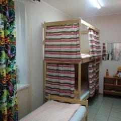 Лайк хостел Кровать в женском общем номере с двухъярусной кроватью фото 9