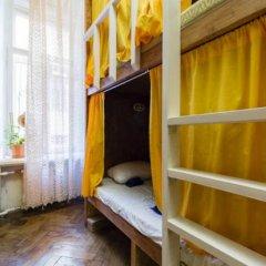 Хостел Fight night (закрыт) Кровать в общем номере с двухъярусными кроватями фото 3