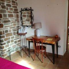 Отель B&B PompeiLog 3* Стандартный номер с двуспальной кроватью фото 17