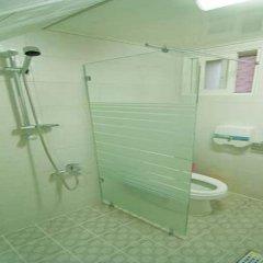Отель Kimchee Hongdae Guesthouse Кровать в общем номере с двухъярусной кроватью фото 3