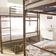 Отель Restup London Кровать в общем номере фото 9