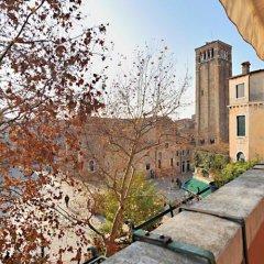 Отель Rialto Project Италия, Венеция - отзывы, цены и фото номеров - забронировать отель Rialto Project онлайн балкон