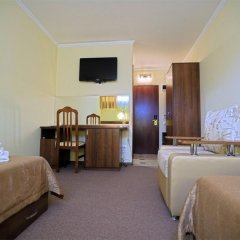 Гостиница Бристоль 3* Стандартный номер с 2 отдельными кроватями фото 3