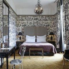 Отель Saint James Paris 5* Номер Делюкс с различными типами кроватей фото 7
