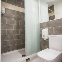 Отель Hostal CC Malasaña Улучшенный номер с различными типами кроватей фото 23