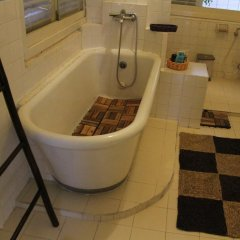 Отель Chez Pham District 3 French Villa ванная