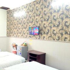 Отель Mr Tran (Blue Motel) 2* Стандартный семейный номер с двуспальной кроватью