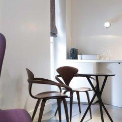 Отель Hôtel Dupond-Smith 5* Улучшенный номер с различными типами кроватей фото 5