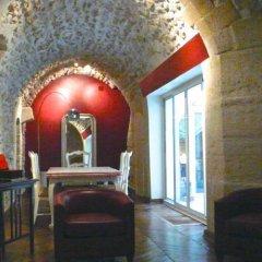 Отель Verneuil Patio Saint Germain Des Pres развлечения