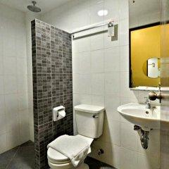 Отель Express Inn Cebu 3* Улучшенный номер с различными типами кроватей фото 4