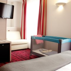 Отель Hôtel Le Richemont 3* Улучшенный номер с двуспальной кроватью фото 12