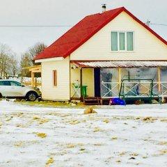 Гостиница Otdyh U Ozera в Изборске отзывы, цены и фото номеров - забронировать гостиницу Otdyh U Ozera онлайн Изборск парковка